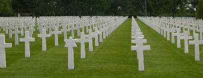 Des lignes de tombes